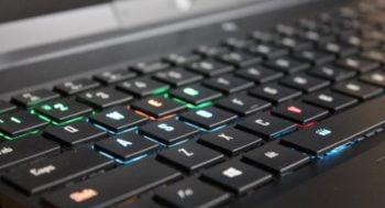 Konetivitas Laptop Gigabyte