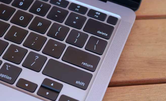 kurangan Apple Macbook Air M1