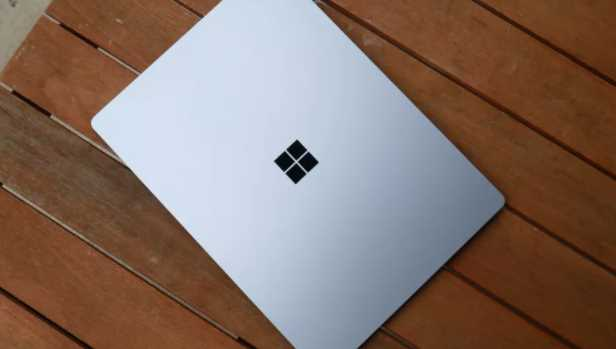 Review Laptop Microsoft Surface 4