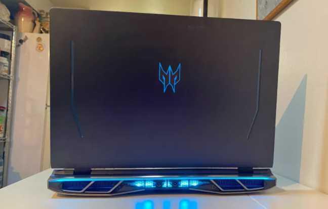 Spesifikasi Acer Predator Helios 500
